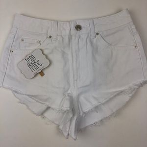 NWT TOPSHOP High Waisted Kiri Cutoff Denim Shorts